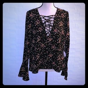 Forever 21 Lace-up Long Ruffle Sleeve Floral Top